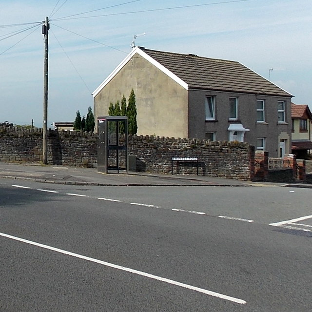 Phonebox on the corner of Swansea Road and Victoria Road, Waunarlwydd