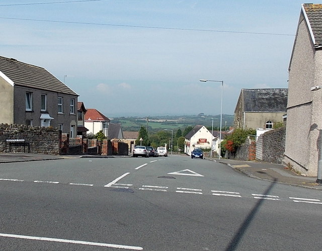 North along Swansea Road, Waunarlwydd
