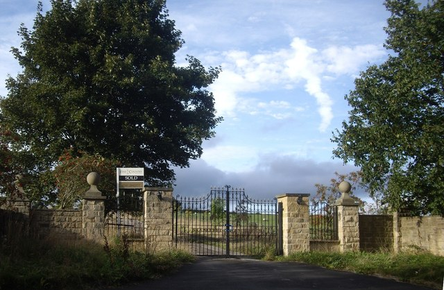 Gated access to Brandon Lane