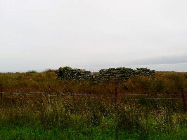 Derelict structure near Oragaig