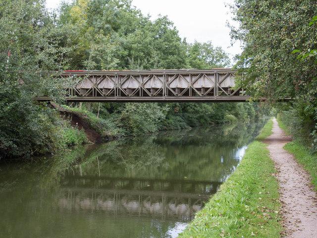 Birmingham & Fazeley Canal: Gravel Pit Bridge
