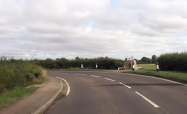 Bend on New Road at Shillingford