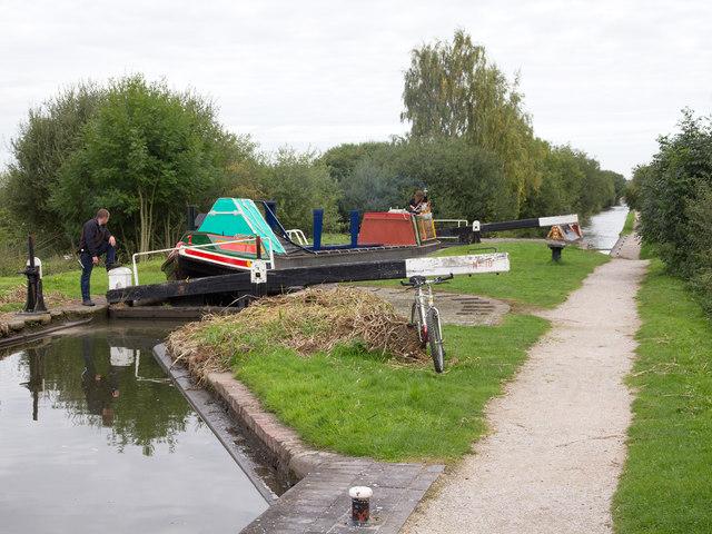Birmingham and Fazeley Canal: Common Lock No 10