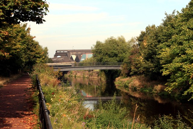 Five Weirs Walk and River Don at Amberley Street Footbridge