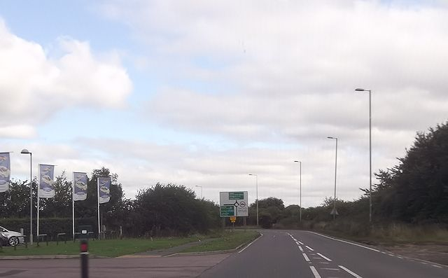 A 418 roundabout from Thame Ford garage