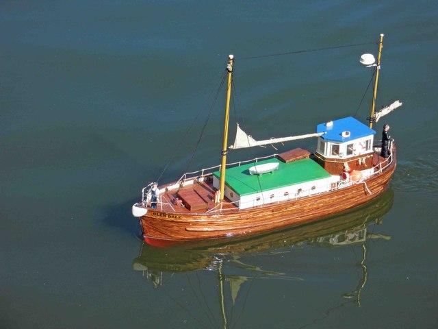 Glen Dale model trawler