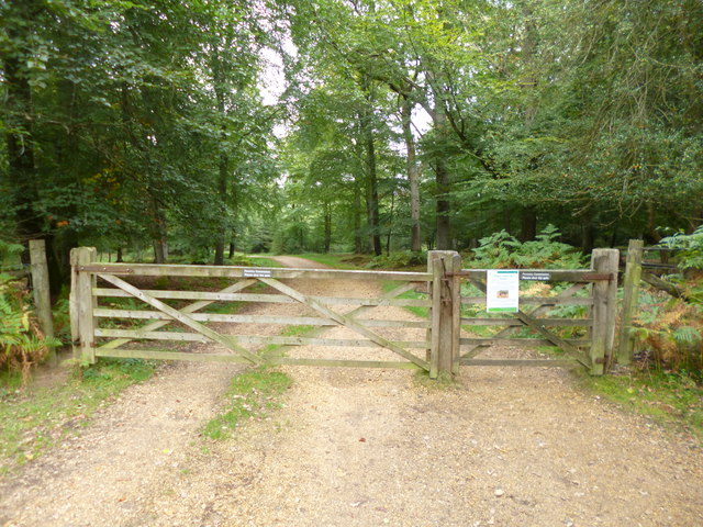Burley Outer Rails Inclosure, gates