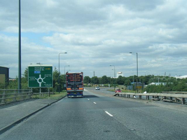 A180 nears Pyewipe Roundabout