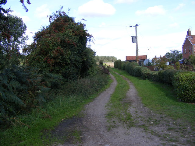 Field entrance off Green  Lane