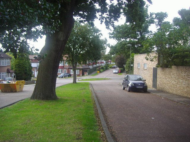 Oak Way, Southgate