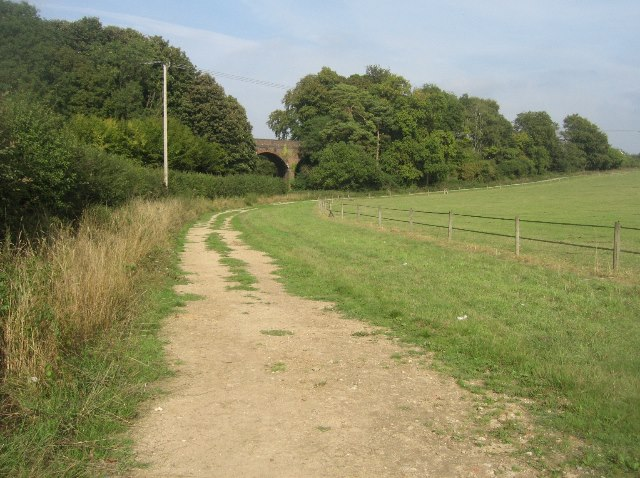 Track by the B3400