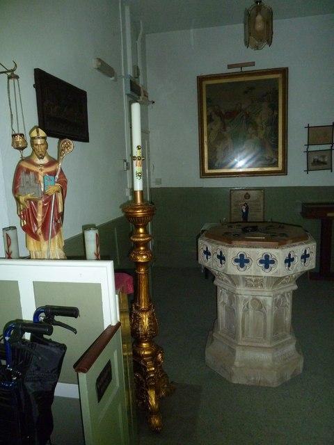 St. Swithun, Allington: font