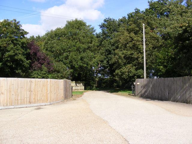 Entrance to Locks Farm