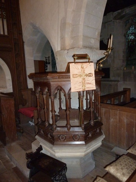 St John the Baptist, Stockton: pulpit