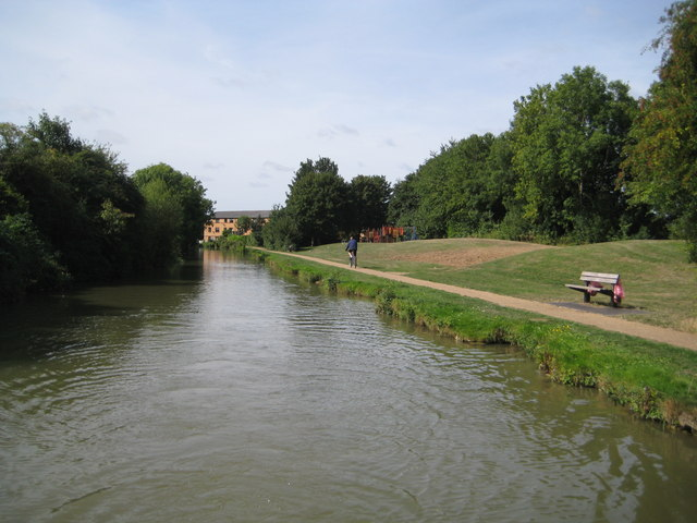 Grand Union Canal: Reach in New Bradwell