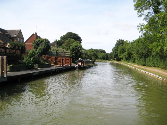 Grand Union Canal: Reach in Bradville