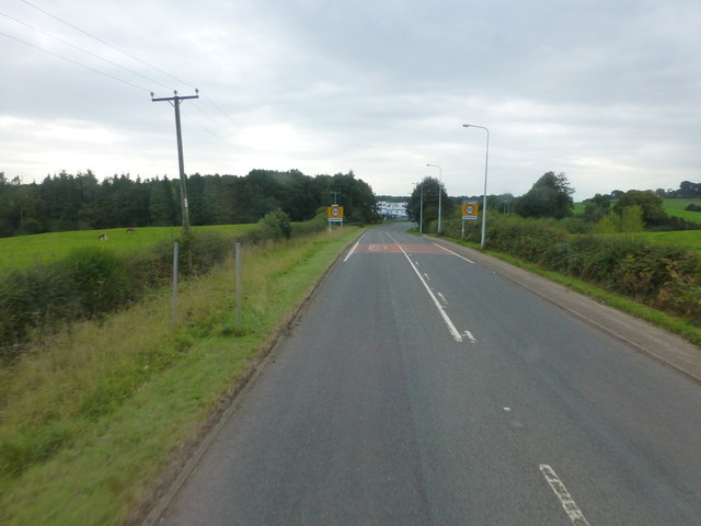The A556 approach to Oakmere junction with the B5152
