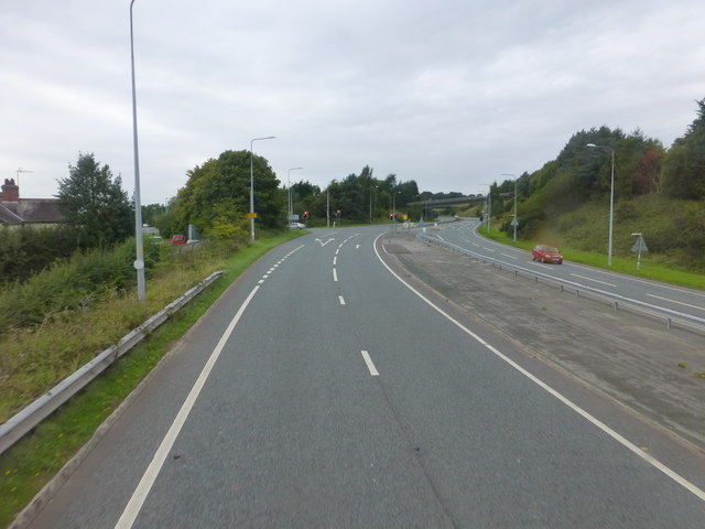 The A54 approach to the sliproad for Kelsall