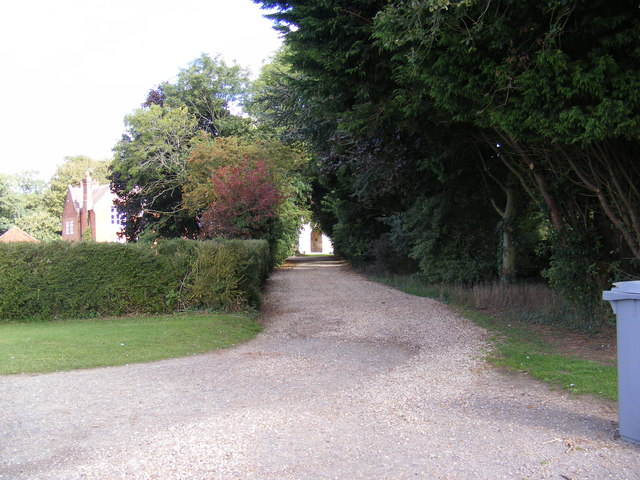 Footpath & entrance to Brandiston Hall