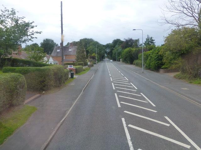 The A51 Tarvin Road passes through Vicarscross