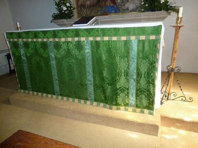 St Gregory, Marnhull: altar