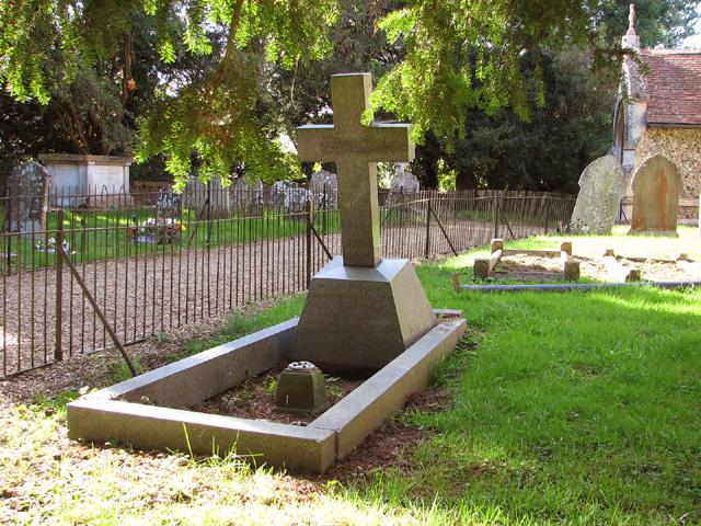 Rockland St Mary's churchyard