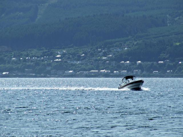 Speedboat approaching Kip Marina