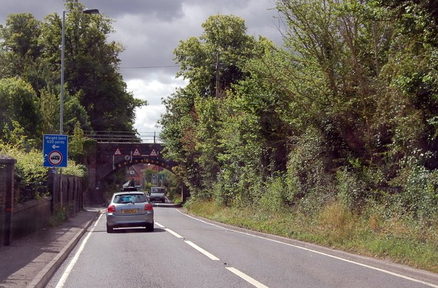 Railway bridge on Warminster Road