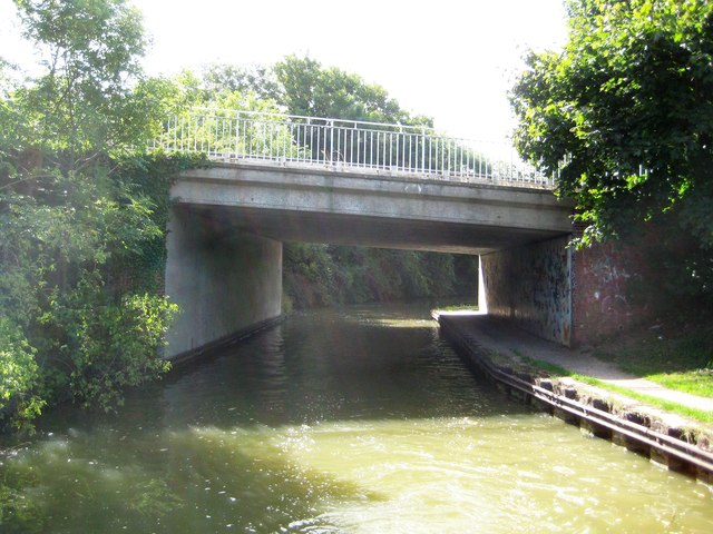 Grand Union Canal: Bridge Number 74