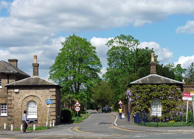 Lodges, Southend Road