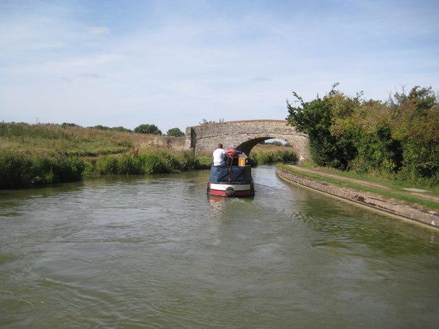 Grand Union Canal: Bridge Number 75