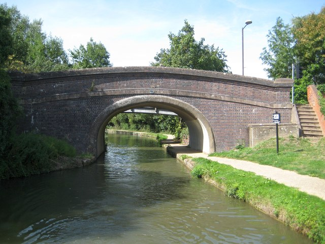 Grand Union Canal: Bridge Number 77