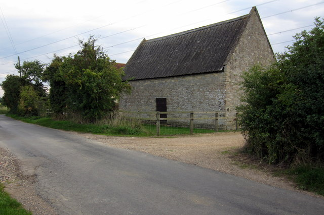 Stone barn on Turvey Road