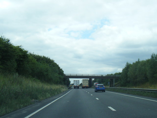 A180 westbound nearing Brocklesby Road bridge