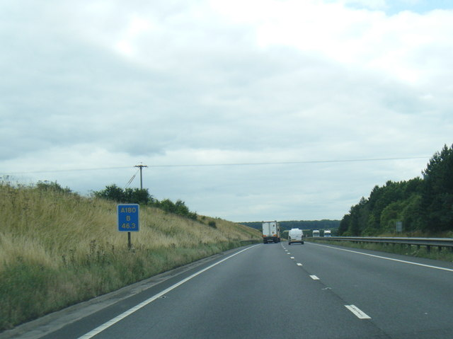 A180 westbound near Vale House Farm