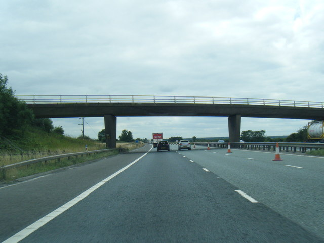 M180 westbound at Star Carr Lane overbridge