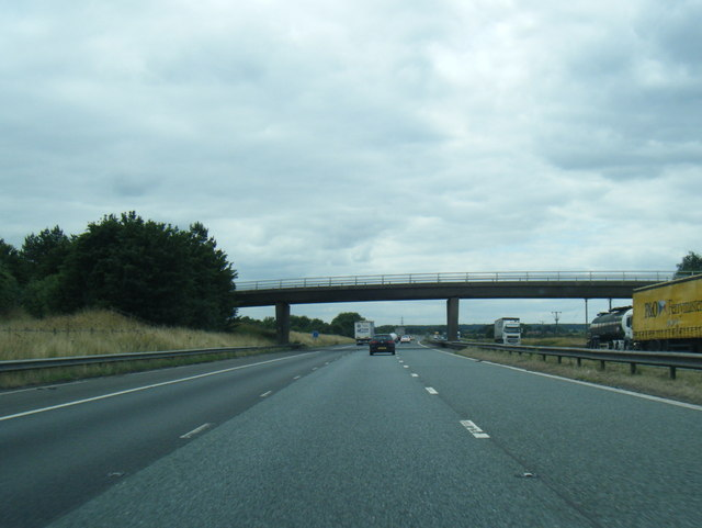 M180 nears Grammar School Lane overbridge
