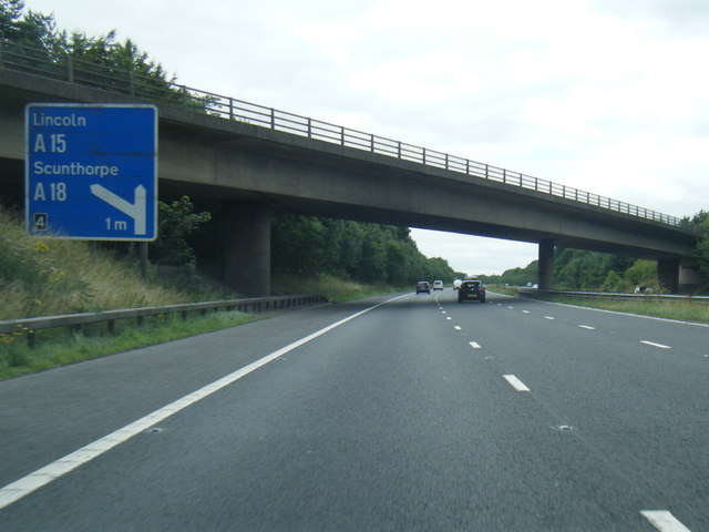 M180 passes under the A18