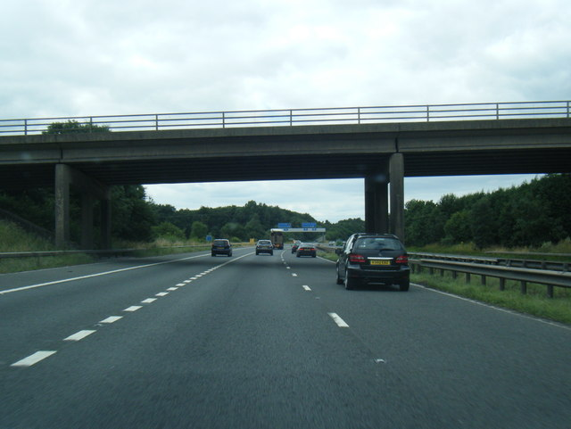 M180 at B1207 overbridge