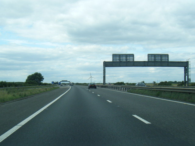 M180 at west side of Junction 3