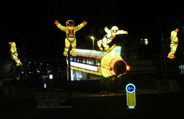 Illuminations on the Gynn roundabout