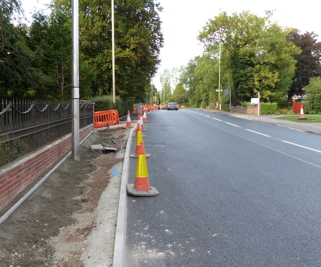 Constructing a pavement along Lutterworth Road
