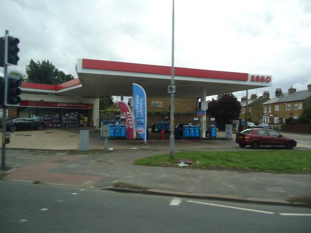 Petrol station, Oxford Road, Uxbridge