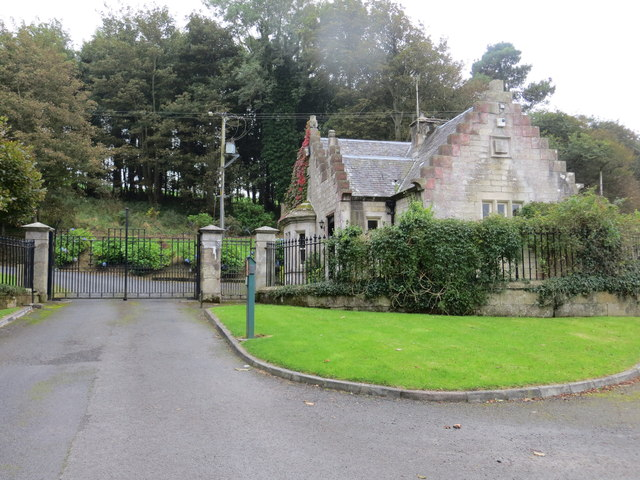 Bourtree Lodge at the entrance to Glenap Castle