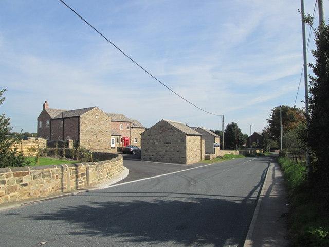 Holly Grange, Warmfield