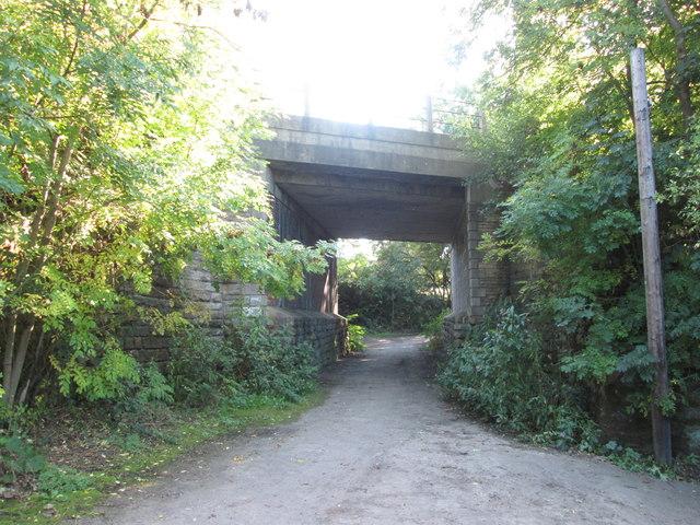 Railway bridge over the footpath west of Kirkthorpe