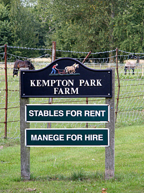 Kempton Park Farm sign