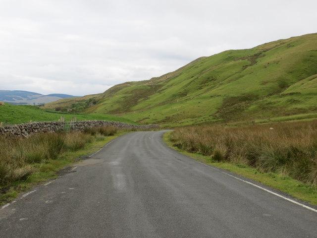 Road (B741) heading east down to Dalmellington