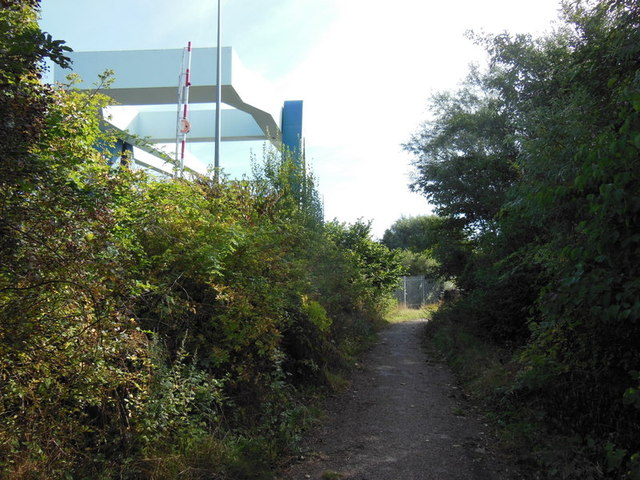 A path leading to the River Hull