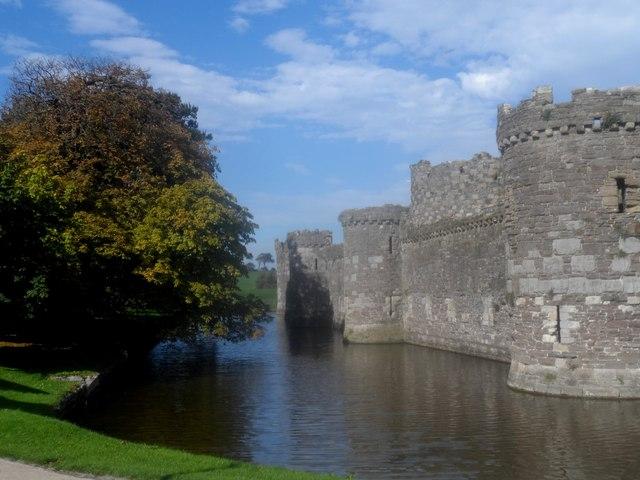 Castell Beaumaris / Beaumaris Castle